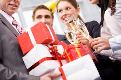 10 оригінальних подарунків босові на Новий 2014 Коні