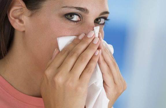 Алергія на пил: симптоми та лікування