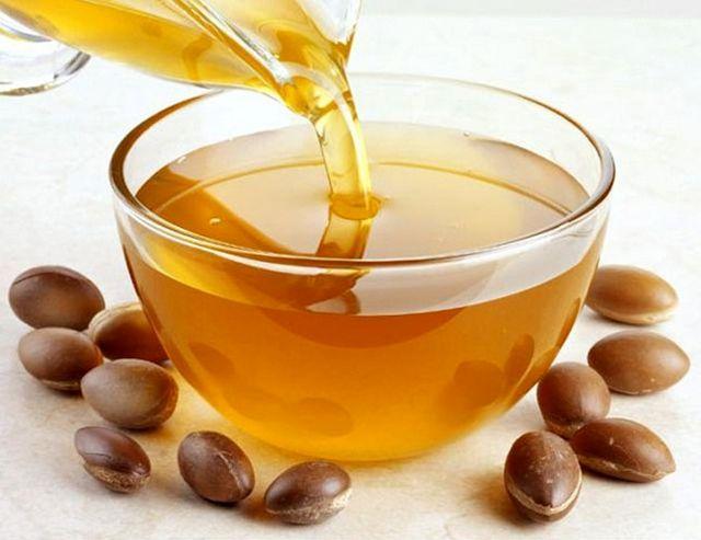 Арганова олія: відгуки. Застосування арганового масла для обличчя і для волосся