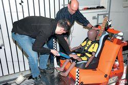 Автомобільне крісло - малюк в безпеці. Доведено краш-тестами