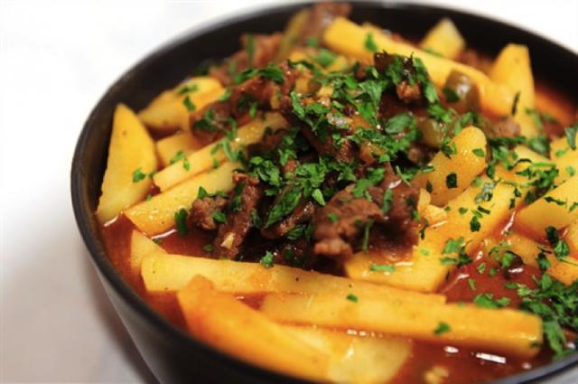 Азу з яловичини в мультиварці: рецепт