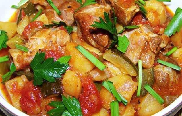 Азу по татарськи з картоплею в мультиварці