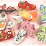 Найдешевші стильні дитячі сандалі 2013 року - модний огляд