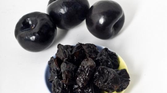 Чорнослив: користь і шкода