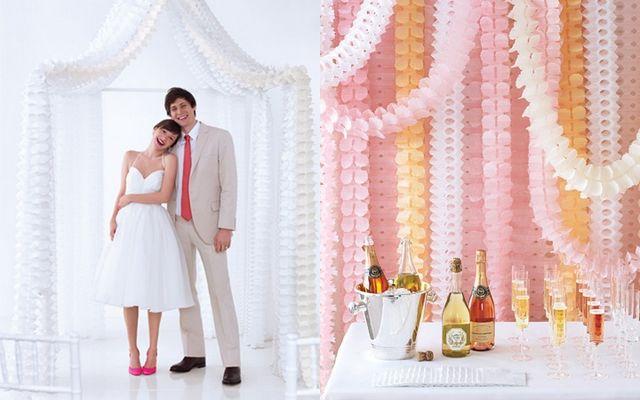 Що подарувати на паперове весілля?