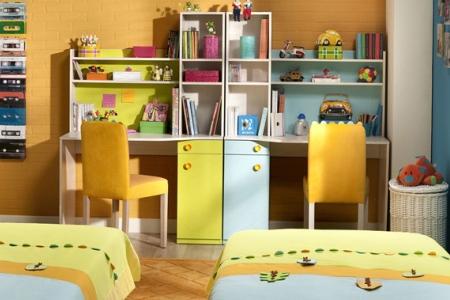Дитяча кімната для двох школярів