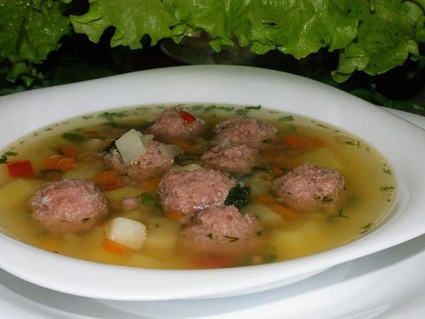 Як приготувати суп з фрикадельками в мультиварці?