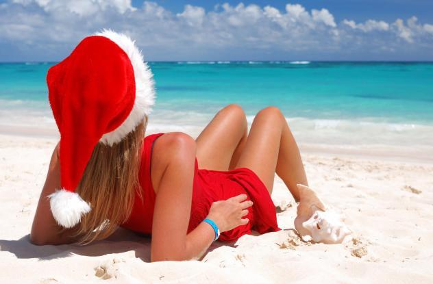 Жінка на пляже: зустрічаті новий рік в жарких странах