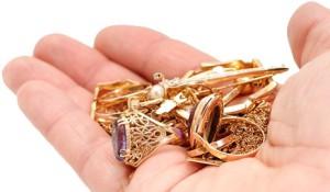 Де купувати ювелірні прикраси і золото - в звичайному магазині або через інтернет?
