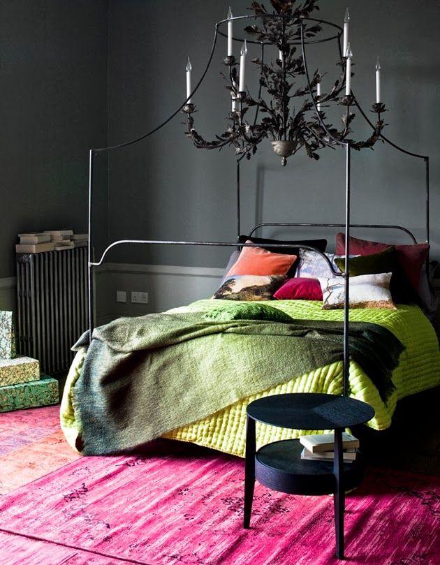 Інтер'єр чуттєвої спальні в сучасному стилі
