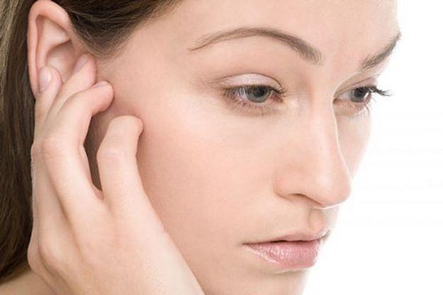До чого горить праве вухо? Народні прикмети та наукові факти
