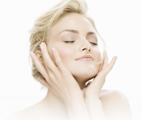 Як робити масаж обличчя в домашніх умовах?