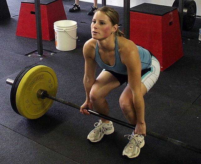 Як правильно робити станову тягу? Техніка виконання і нормативи
