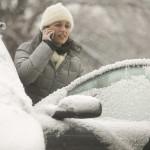 Як правильно дівчатам підготувати машину до зими?