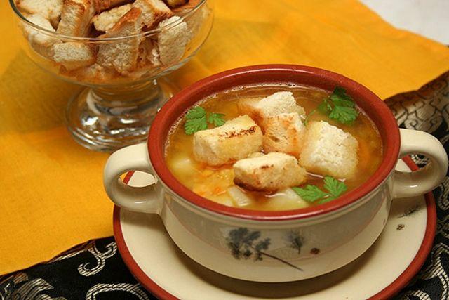 Як приготувати гороховий суп з копченостями? Рецепти на кожен день