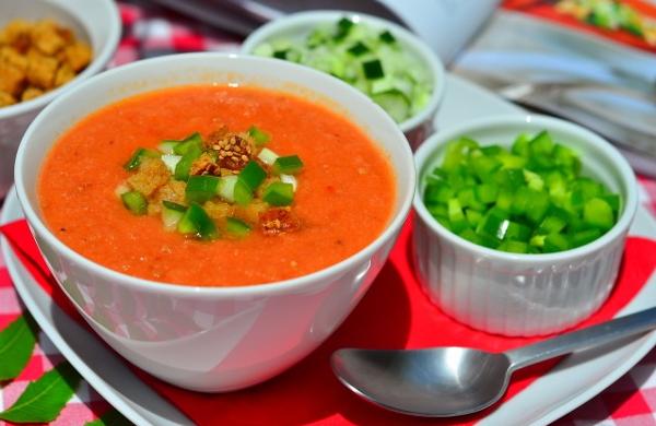 Як приготувати холодний суп гаспачо? Традиційні іспанські рецепти страви