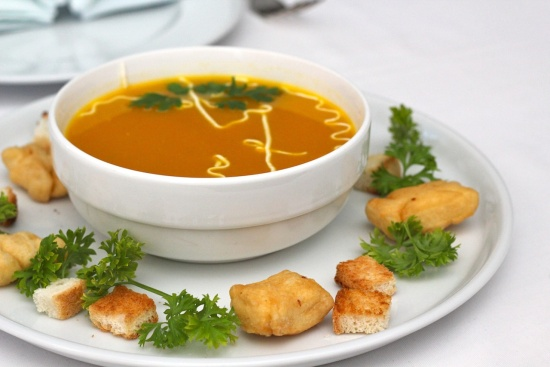 Як приготувати суп із заморожених овочів? Суп з реберцями: рецепт. Простий рецепт супу з вермішеллю
