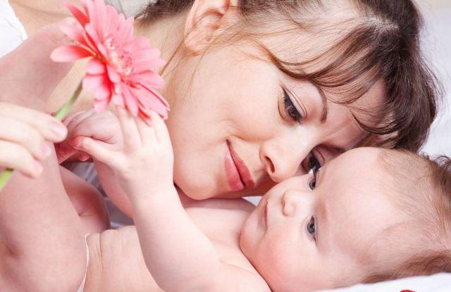 Як зціджувати грудне молоко?