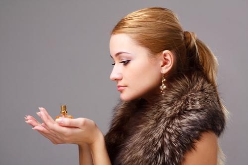 Як зробити аромат парфумів або парфуму більш стійким взимку?