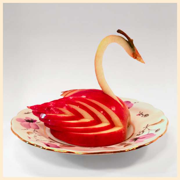 Як зробити лебедя з яблука? Покроковий опис виготовлення і корисні поради