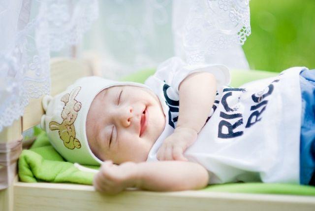 Як вкласти дитину спати? Як привчити дитину засинати самостійно?