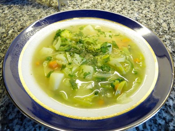 Який суп приготувати на обід? Як приготувати суп із заморожених овочів?