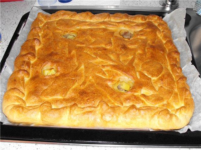 Дріжджовий картопляний пиріг з фаршем: приготування