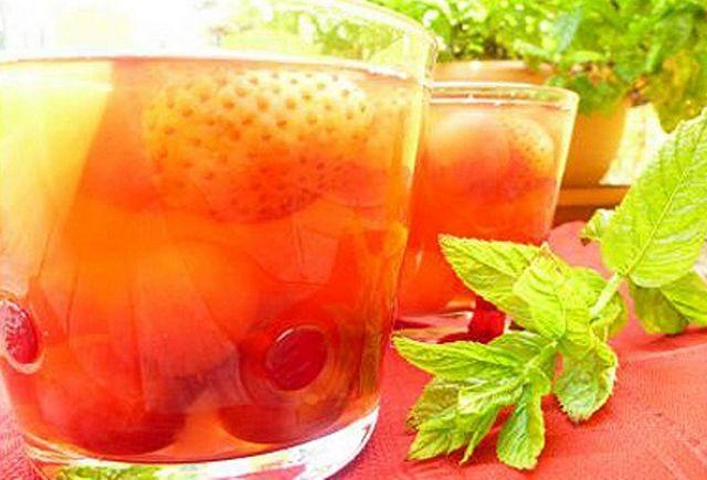 Компот з полуниці в мультиварці: рецепт