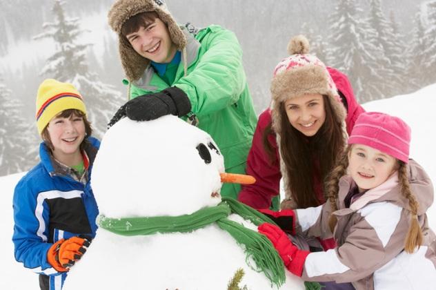 Сніговик: сімейні новорічні канікули