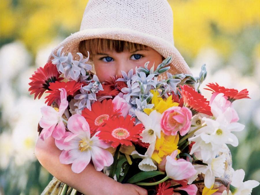 Найкращі подарунки улюбленої дочки на 8 березня - який подарунок зробите доньці Ви?