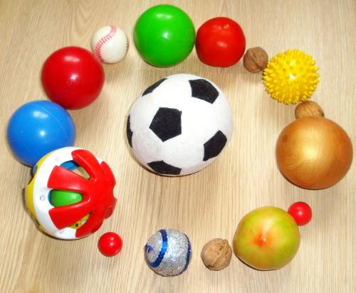 Маленькі і великі м'ячі для дітей - які м'ячі необхідно купувати дитині?