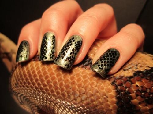 Модний манікюр 2013 року - зміїний