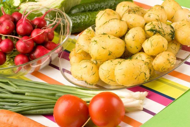 Молода картопля в мультиварці: рецепт