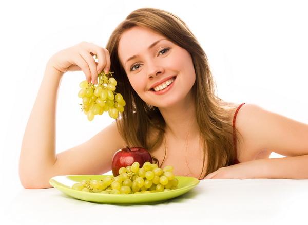 Чи можна поправитися від винограду? Калорійність винограду