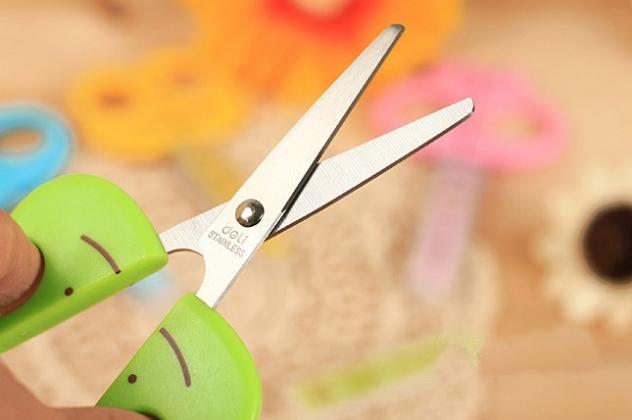 Ножиці для новорічного конкурсу для дітей