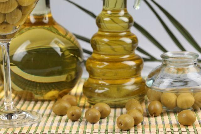 Оливкова олія для волосся: відгуки. Користь і застосування оливкової олії