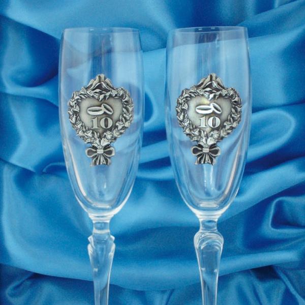 Олов'яне весілля: скільки це років? Традиції, подарунки та привітання на олов'яну весілля