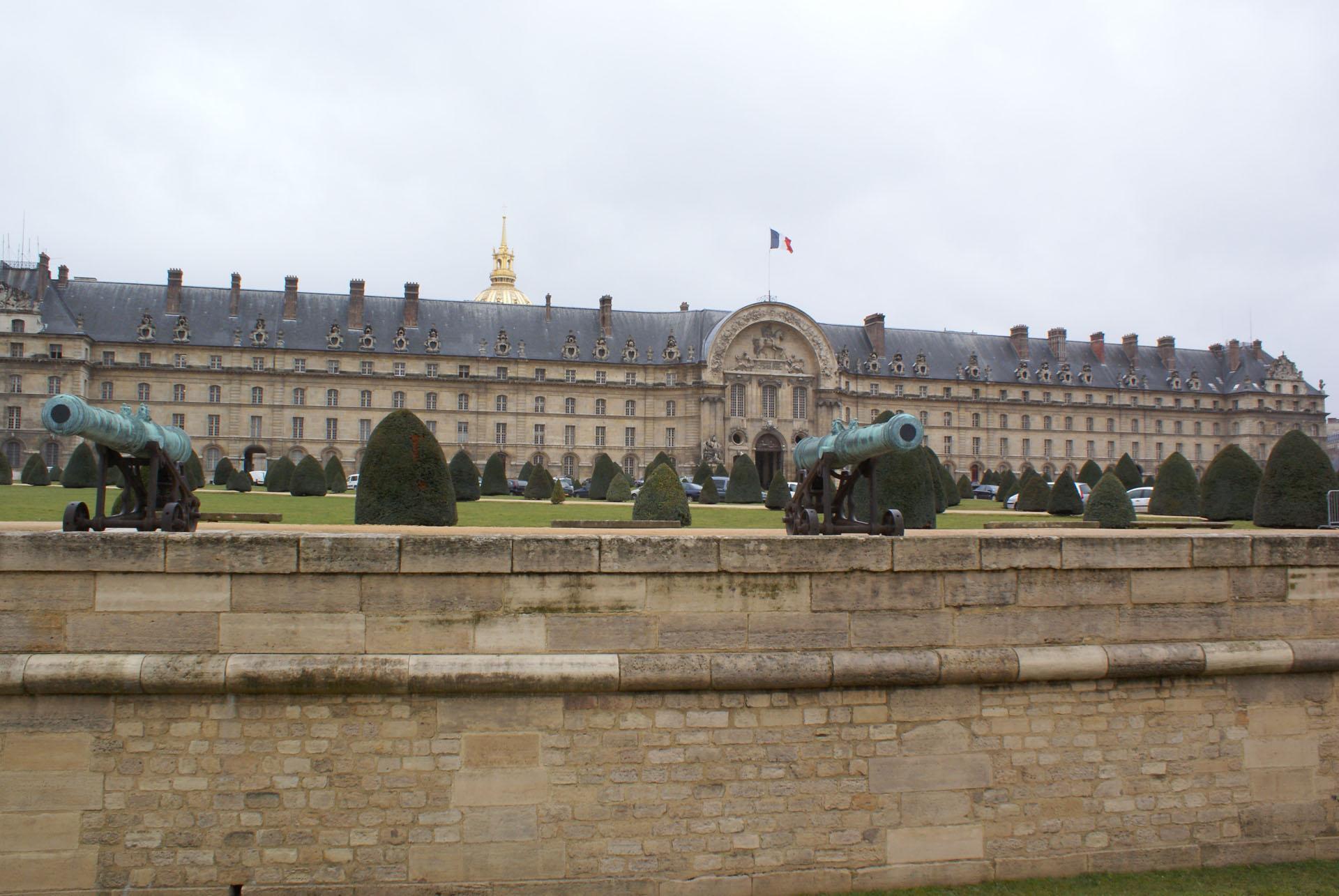 Париж у квітні для мандрівників - Будинок інвалідів