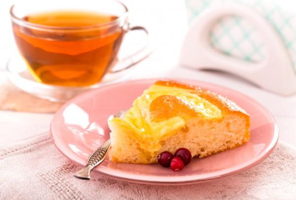 Пиріг з персиками консервованими. Рецепти на будь-який смак