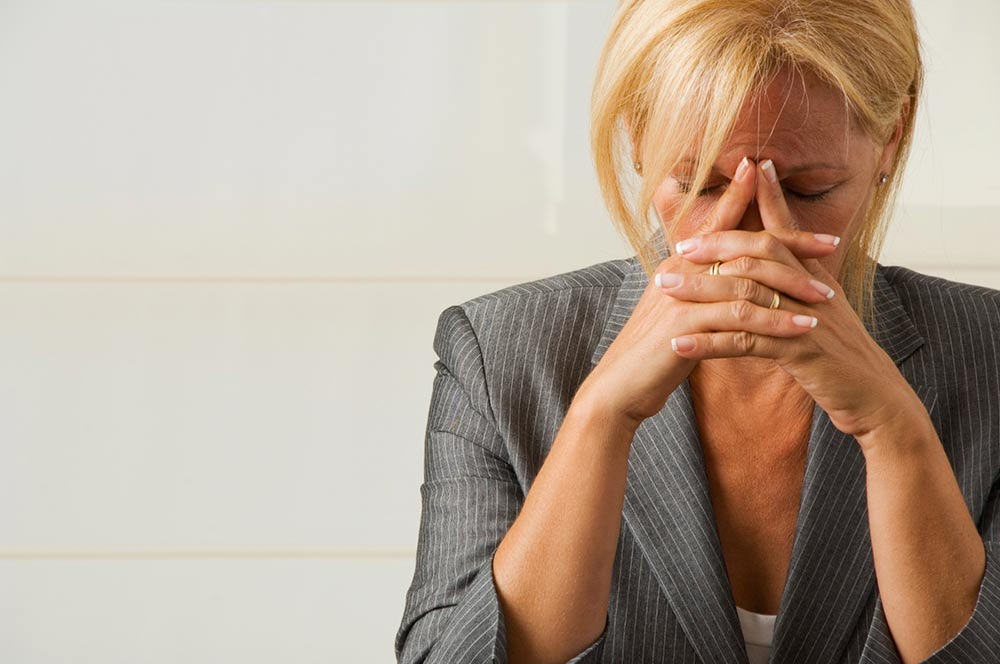 Чому я самотня, і як подолати жіноча самотність - поради психологів