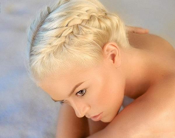 Зачіска на основі кіс