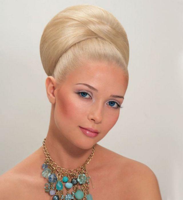 Як зробити зачіски 60-х років?