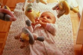 Розвиток дитини в перший місяць - вправи