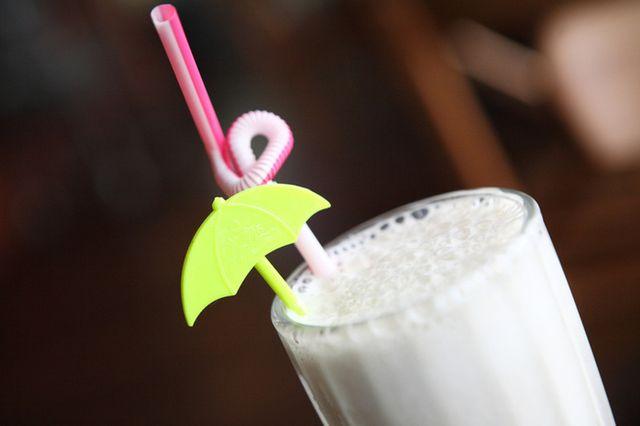 Рецепт молочного коктейлю з морозивом. Як зробити класичний коктейль з морозива?