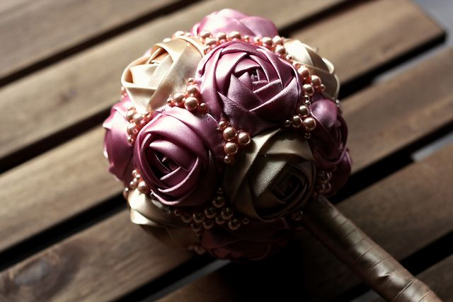 Троянди зі стрічок своїми руками: майстер-клас. Роза з атласної стрічки: відео