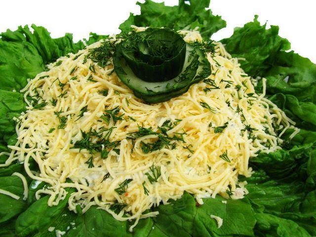 Салат з вареною ковбасою: рецепти. Просто і смачно на кожен день!