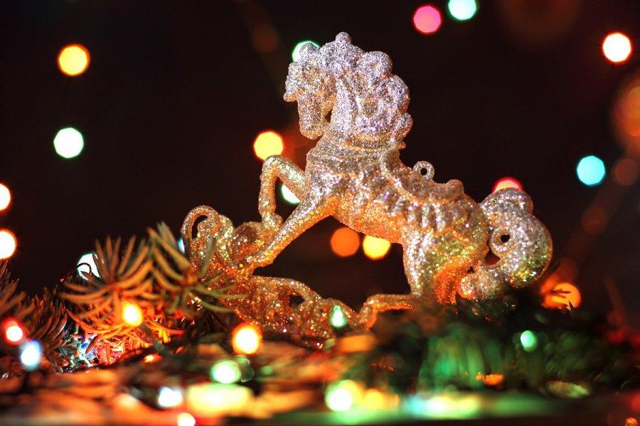 Сімейні традиції та прикмети на Новий рік 2014, або як привернути сімейне щастя
