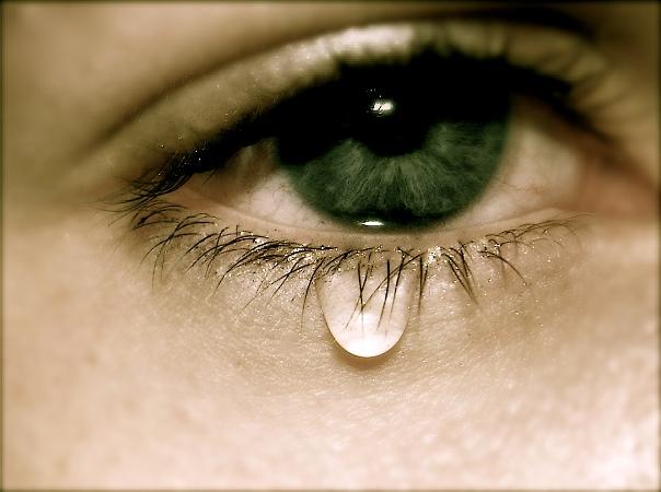 Сльозяться очі: що робити? Причини і лікування сльозавих очей