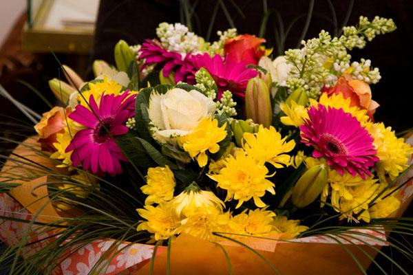 Складання букетів з живих квітів: правила. Букети з квітів: майстер клас