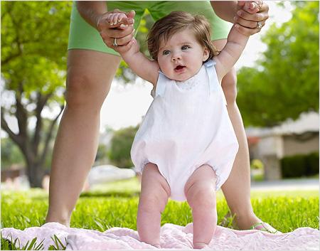 Список речей для прогулянок з дитиною влітку - що потрібно купити до народження малюка для прогулянок?